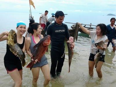 Tour lặn bắn cá