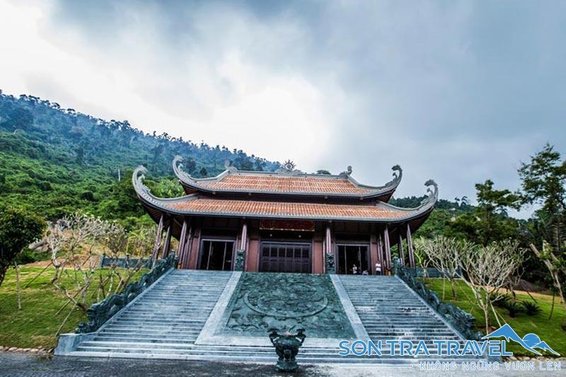 Kinh nghiệm du lịch Núi Thần Tài